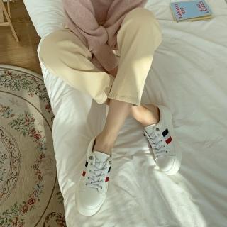 천연가죽 모먼트 스니커즈뮬 | 화이트