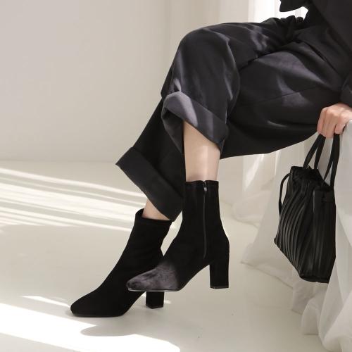 로이드 스웨이드 앵클부츠 7cm | 블랙