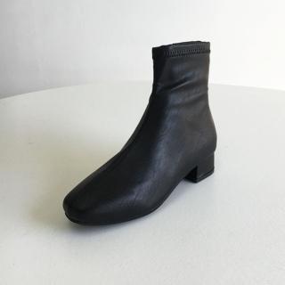 마르니 베이직 앵클부츠 3cm | 블랙